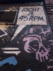 Right & 45 RPM image