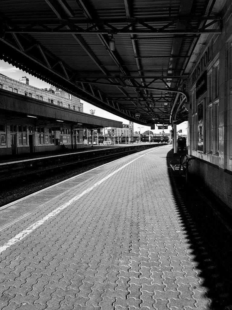Platform 9 B+W image