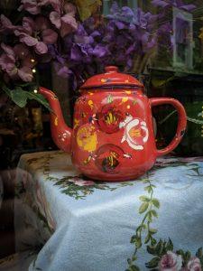 Roses Teapot image