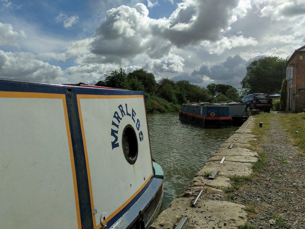 The Long Journey Home - Part 26 - MIRRLESS moored at Honeystreet